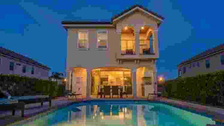Casa de cinco quartos nos arredores de Orlando anunciada no site HomeAway - Divulgação/HomeAway - Divulgação/HomeAway