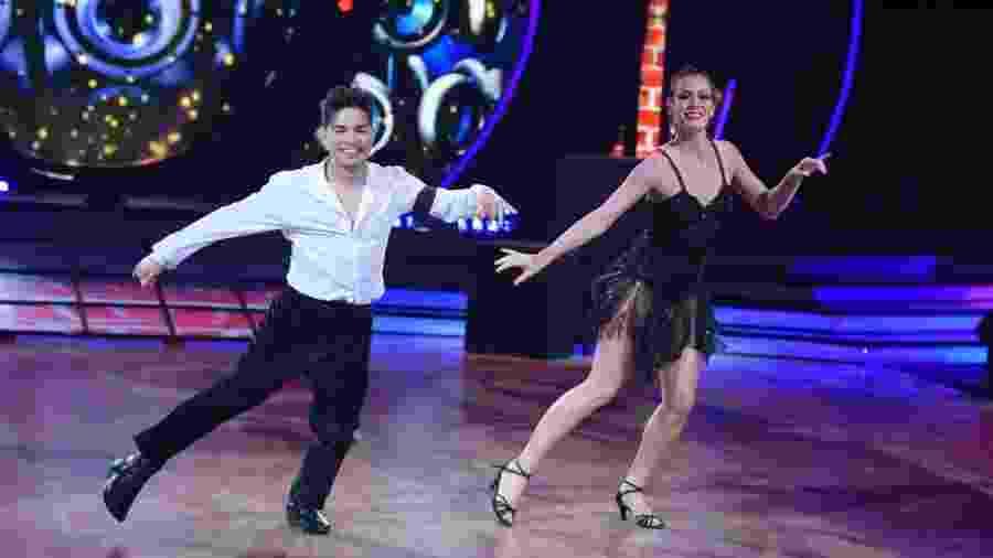 "Yudi Tamashiro e Bárbara Guerra, uma das duplas favoritas da segunda temporada do ""Dancing Brasil"" - Munir Chatack/TV Record"
