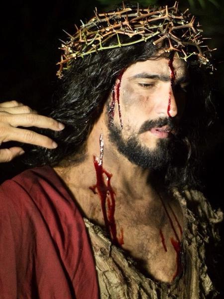 O ator Renato Góes caracterizado como Jesus - Divulgação
