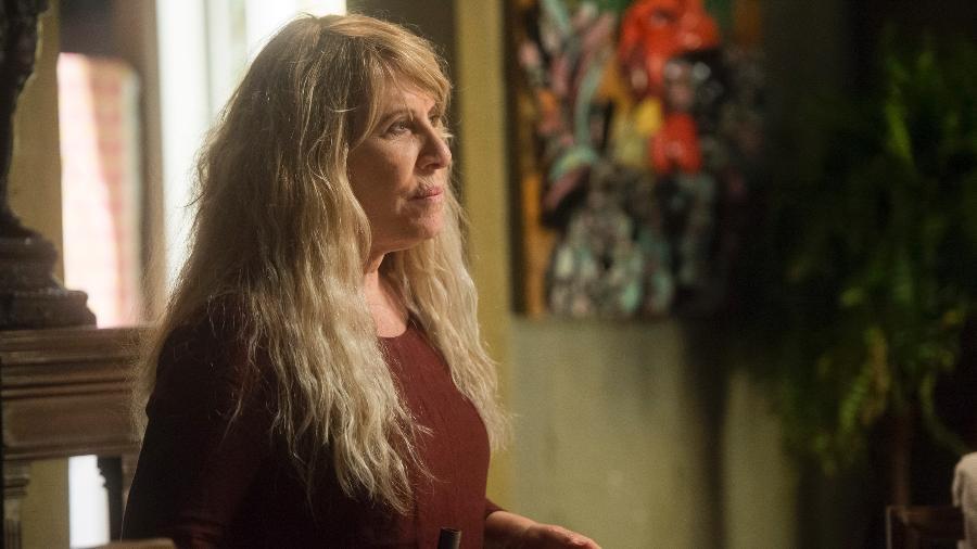 """Renata Sorrah entra em """"Segundo Sol"""" como a mãe de Laureta (Adriana Esteves), que passou anos em um manicômio  - TV Globo/Divulgação"""