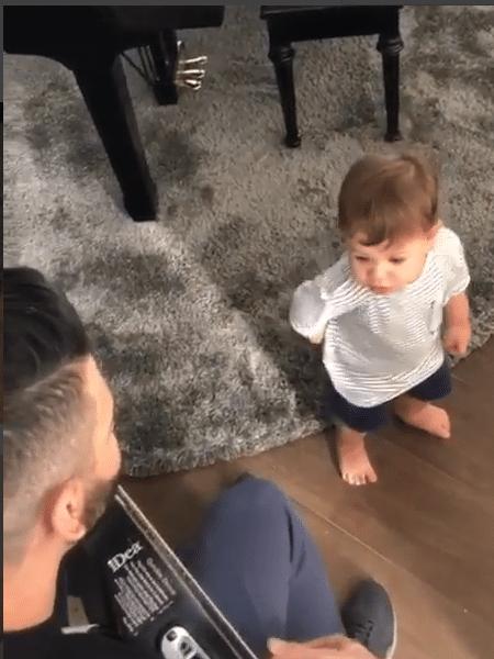 Gusttavo Lima canta com o filho mais velho, Gabriel - Reprodução/Instagram