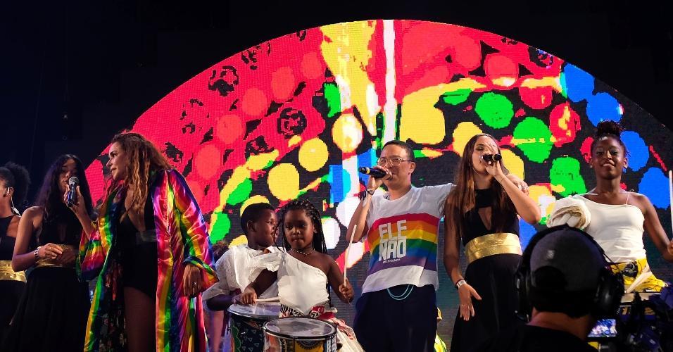 Daniela Mercury protesta contra Jair Bolsonaro no Festival Virada Salvador