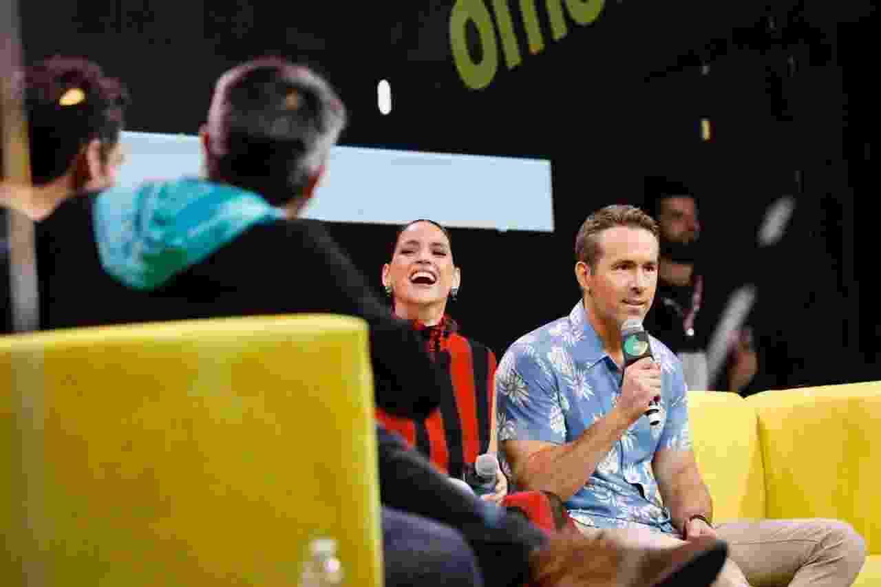 Ryan Reynolds, Adria Arjona, Mélanie Laurent, Corey Hawkins e Manuel Garcia-Rulfo participaram de painel de Esquadrão 6 na CCXP - Mariana Pekin/UOL