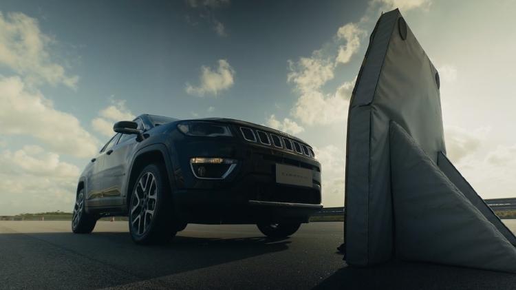 Atualmente, SUV possui frenagem autônoma e alerta de colisão - Reprodução/Jeep