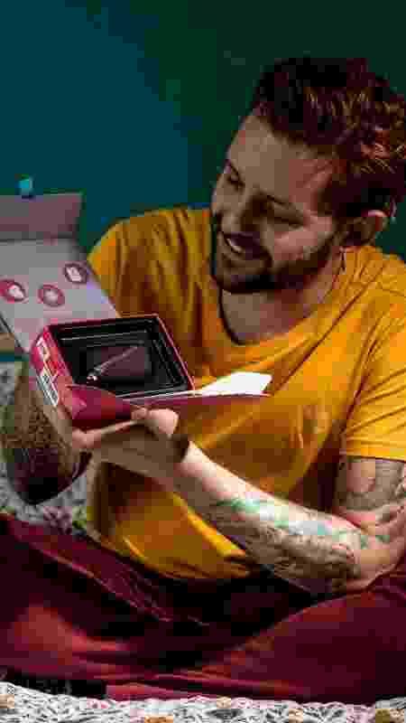 Leonardo gastou R$ 400 com o presente de dia dos namorados - Gabriella di Bella/UOL  - Gabriella di Bella/UOL