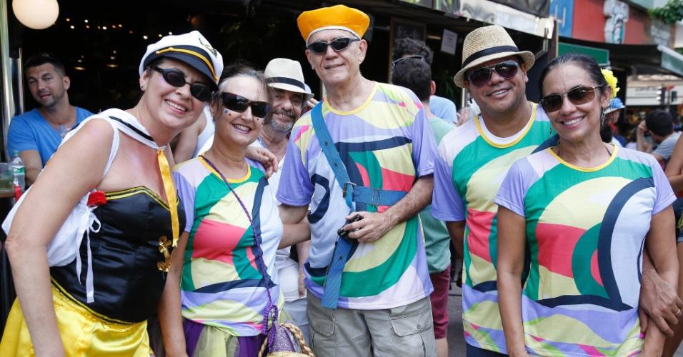 30.jan.2016 - Bloco Simpatia É Quase Amor leva foliões às ruas de Ipanema, no Rio