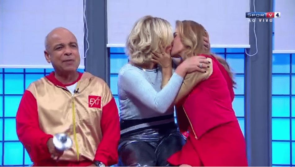 10.ago.2016 - Maitê Proença e Astrid Fontenelle