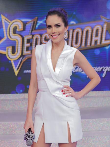 """Daniela Albuquerque apresenta o programa """"Sensacional"""" na RedeTV! - Artur Igrecias/Divulgação/RedeTV!"""