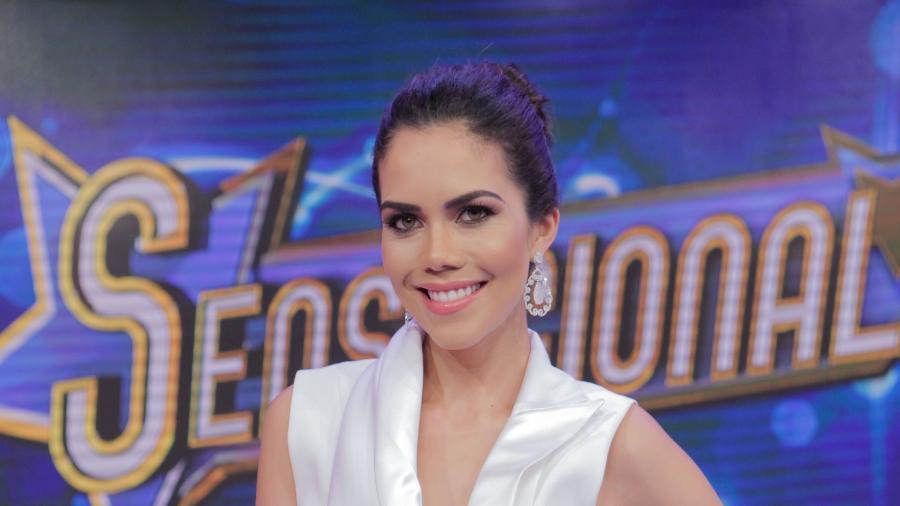 Daniela Albuquerque banca entrevista com Leo Dias na Rede TV! - Artur Igrecias/Divulgação/RedeTV!