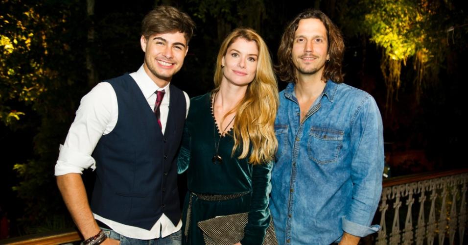 "Rafael Vitti, Alinne Moraes e Vladimir Brichta fazem triângulo amoroso em ""Rock Story"""