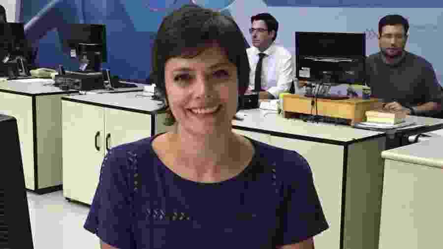 Ana Paula Couto na redação da TV Cultura - Divulgação