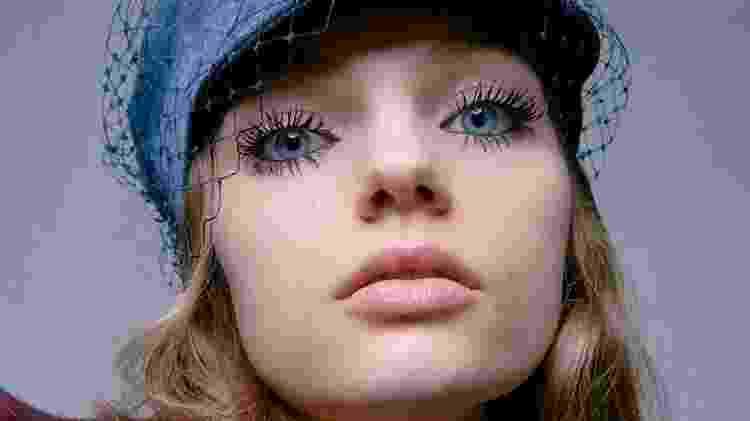 """Cílios """"boneca"""", à la Twiggy, na beleza da Dior - Divulgação"""