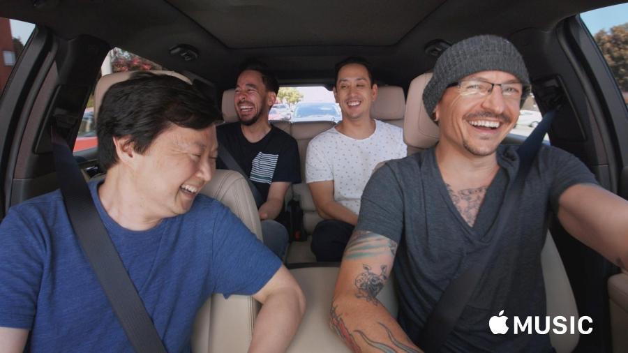 """Chester Benington e o Linkin Park participam do programa """"Carpool Karaoke"""" - Reprodução"""