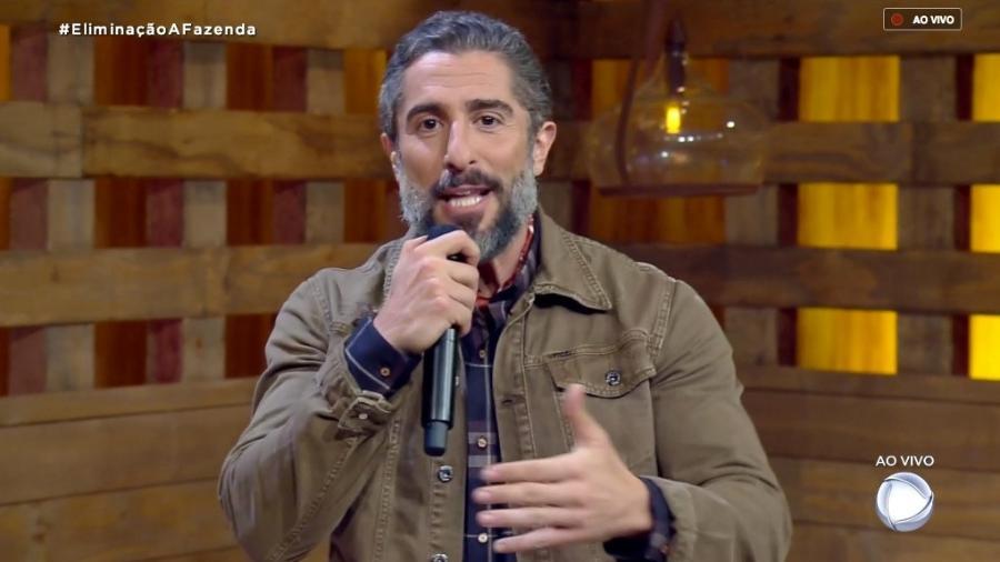 Marcos Mion fala com o público antes da terceira eliminação - Reprodução/RecordTV
