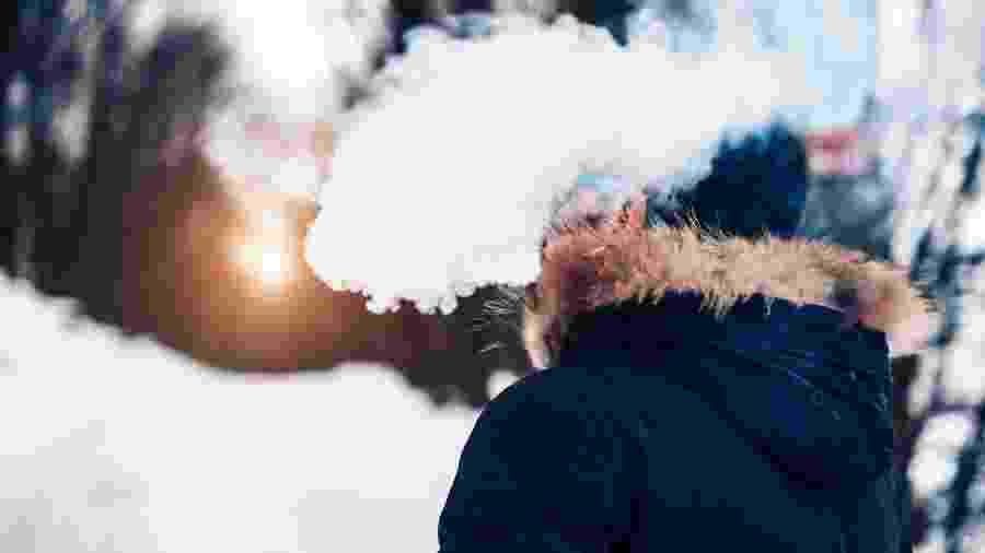 Vaporizadores, os cigarros eletrônicos, vêm sendo usados por quem quiser largar o tabaco - bedya/Getty Images/iStockphoto
