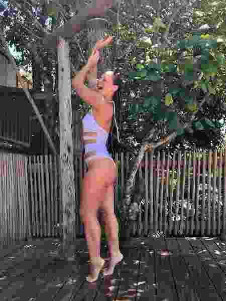 Paolla Oliveira tomando banho de ducha - Reprodução/ Instagram