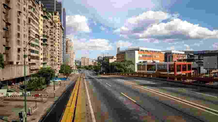 A avenida Francisco de Miranda em Caracas, Venezuela - MIGUEL GUTIERREZ/EPA
