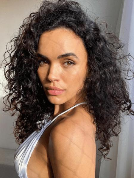 """Giovana Cordeiro ainda apoiou a transição de seguidoras e exaltou a """"coragem"""" por trás do processo - Reprodução/Instagram/@cordeirogi"""