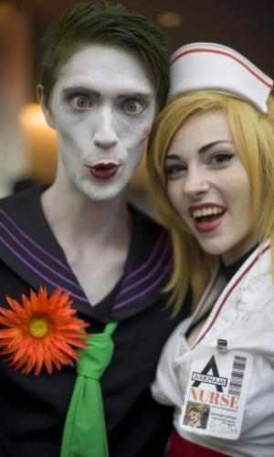 11.jul.2015 - Alex Hluch e Lindsay Hamilton posam para fotos durante a San Diego Comic-Con 2015