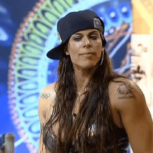 23.out.2015 - Rebeca Gusmão na festa desta sexta-feira - Reprodução/Record