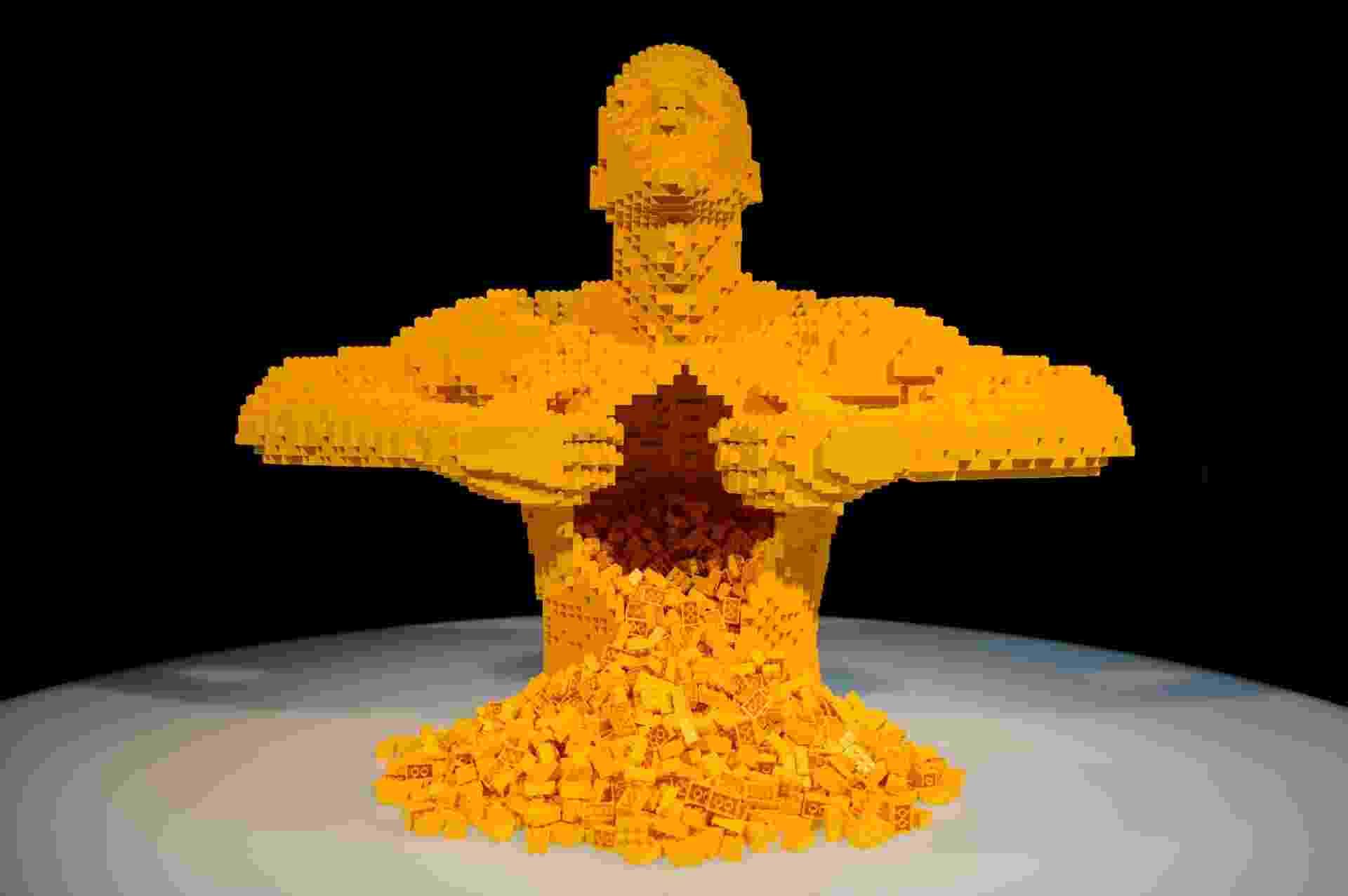 """""""Yellow"""", da exposição Art of the Brick - Divulgação"""