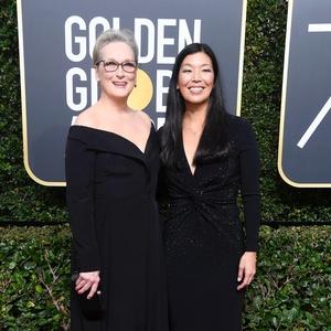 Meryl Streep foi ao Globo de Ouro acompanhada de uma representante das trabalhadoras domésticas, Ai-jen Poo