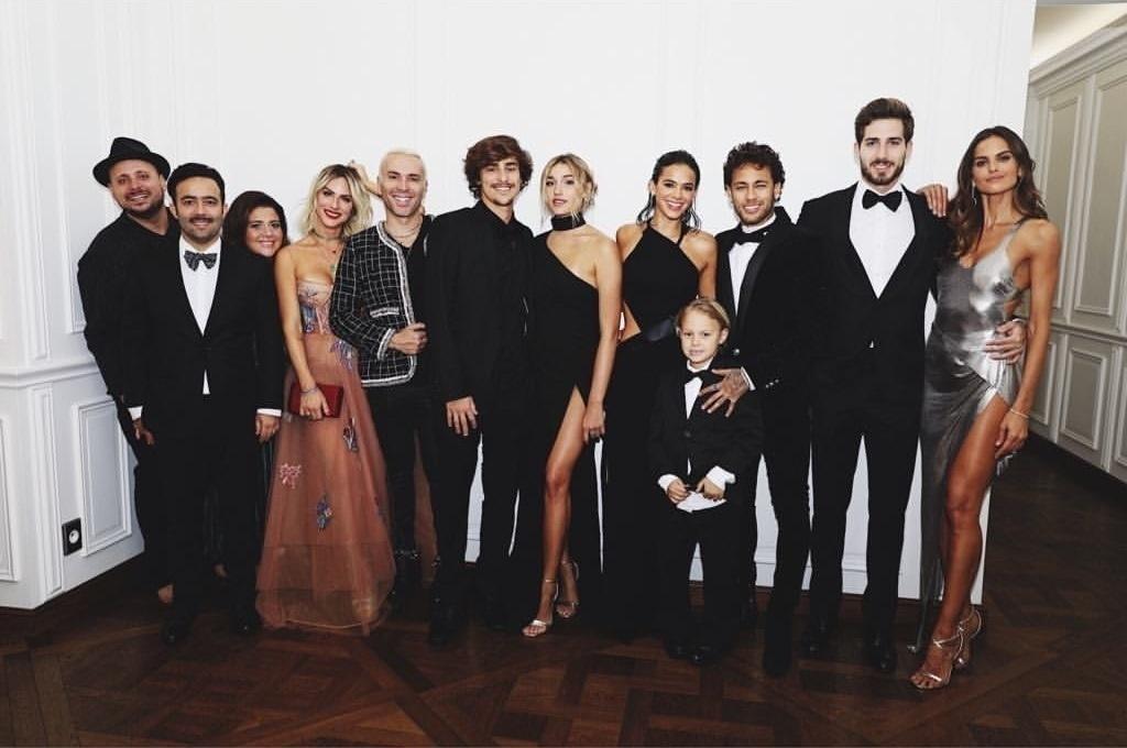 Fotos  Neymar celebra 26 anos em festa luxuosa com