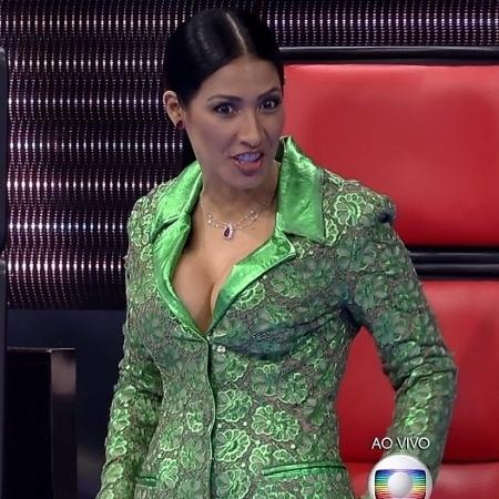 Público pegou no pé da cantora por causa de seu look neste domingo (25) - Reprodução