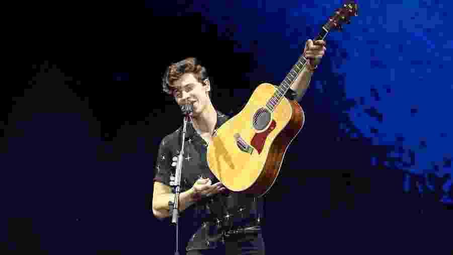 Shawn Mendes dispensou a pirotecnia do maior palco do mundo e apostou na voz e seu talento com instrumentos musicais - Manuela Scarpa/Brazil News