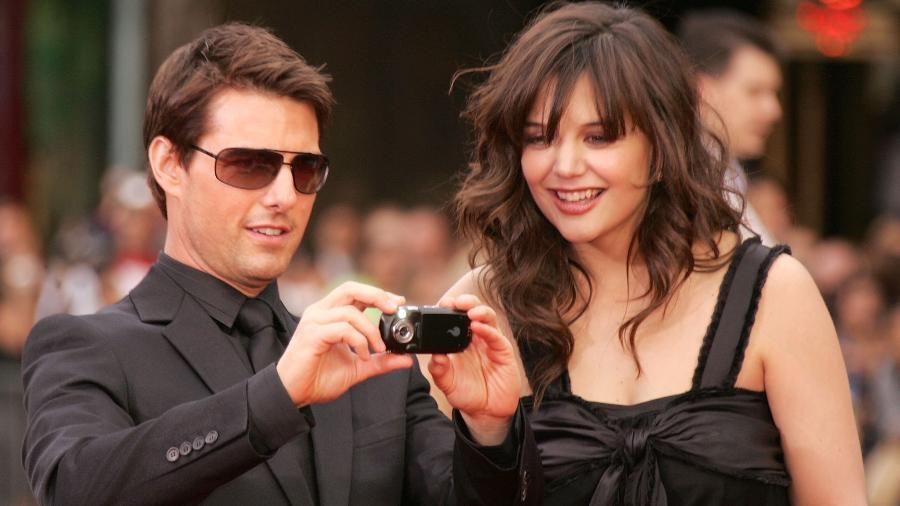 Tom Cruise e Katie Holmes em maio de 2006; atriz teria sido escolhida pela Cientologia como par para o ator - Frazer Harrison/Getty Images