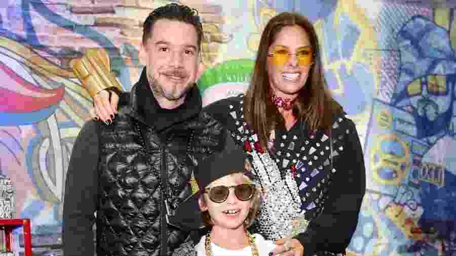 Adriane Galisteu com o marido, Alexandre Iódice, e o filho, Vittorio - Manuela Scarpa/Brazil News