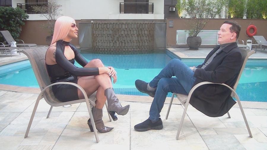 """Roberto Cabrini entrevista Pabllo Vittar para o programa """"Conexão Repórter"""", do SBT - Divulgação/SBT"""