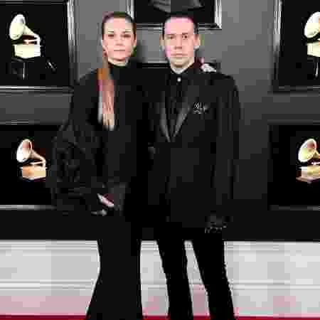 Tobias Forge, líder do Ghost, e sua mulher no Grammy - Getty Images - Getty Images