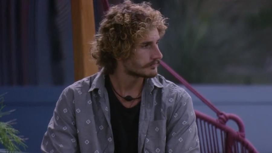 Alan conversa com Tereza sobre paredão - Reprodução/Globoplay