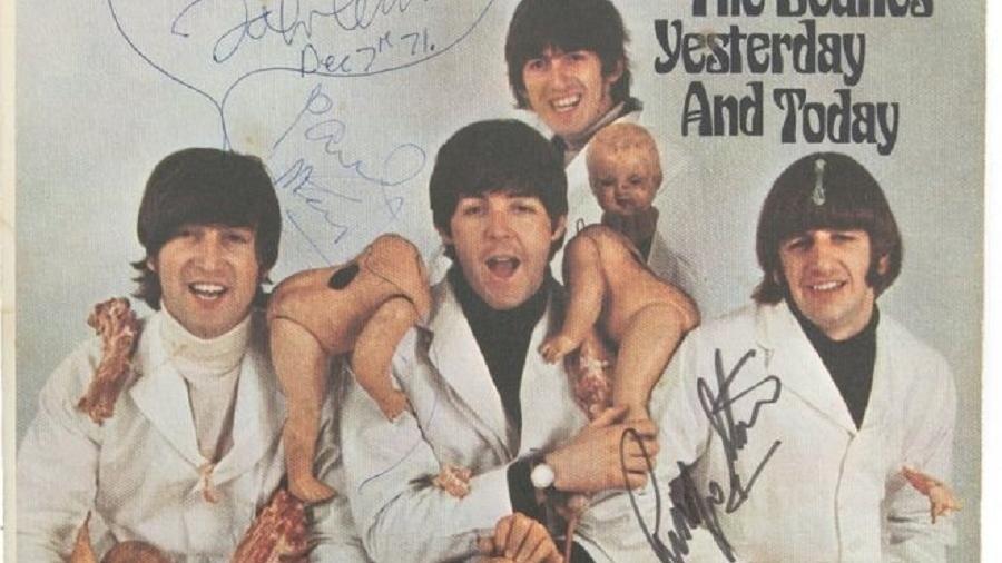 """Fotos do álbum """"Yesterday and Today"""" autografado - The Beatles Story/Reprodução"""