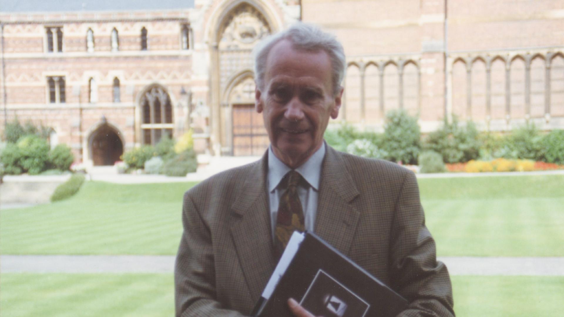 O Senhor dos Anéis: Christopher Tolkien morre aos 95 anos