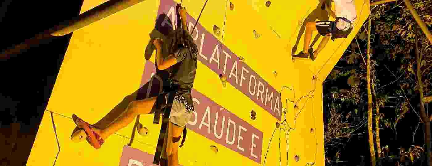 A parede de escalada é um dos destaques do VivaBem no Verão, na Riviera de São Lourenço (SP) - Edson Lopes Jr./ VivaBem