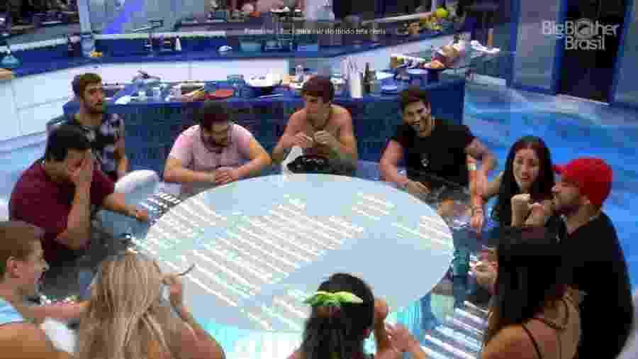 Brothers brincam de perguntas e respostas durante a madrugada - Reprodução/Globoplay