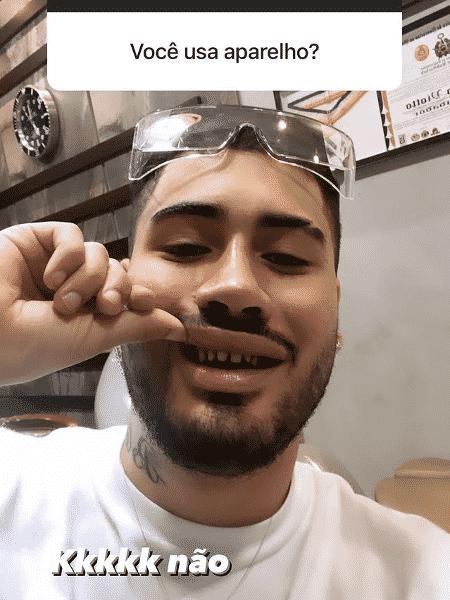 Kevinho mostra os dentes sem lentes de contato - Reprodução/Instagram - Reprodução/Instagram