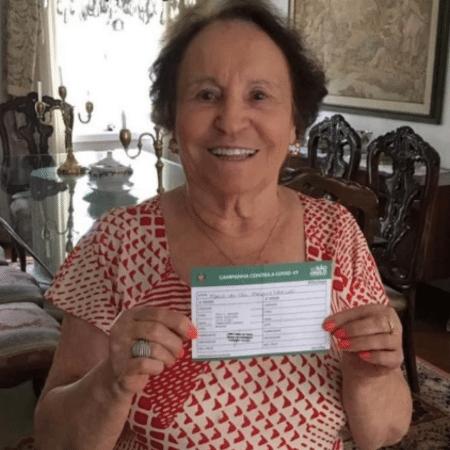 Aos 91 anos, Maria do Céu Liberato, mãe de Gugu, recebeu vacina; notícia foi comemorada pela neta, Marina - Reprodução/Instagram/@marinamliberato