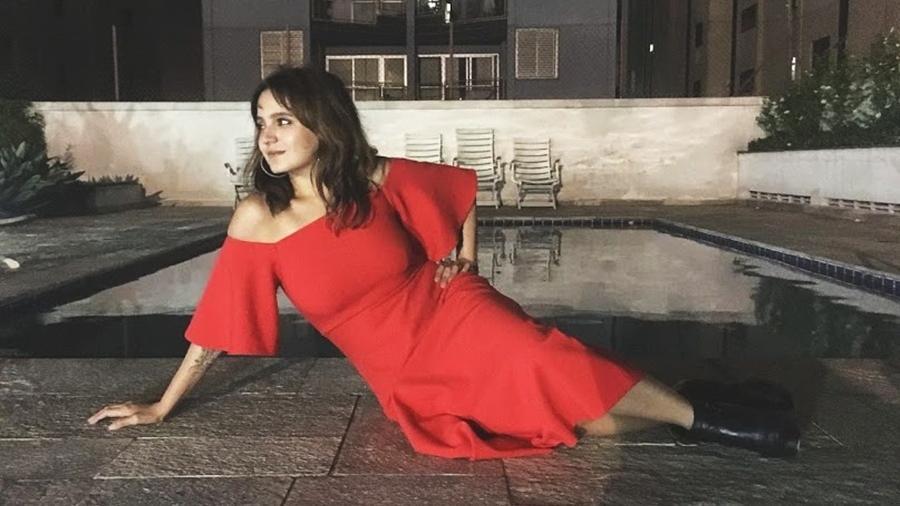 Monique Nascimento Torres - vestido vermelho - Arquivo pessoal