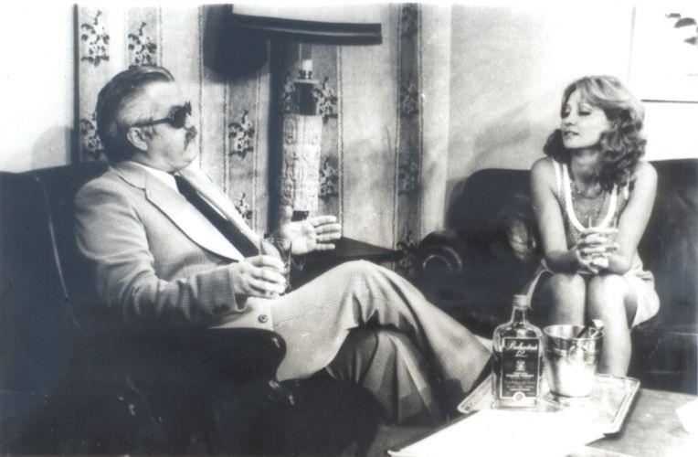 """Claudio Corrêa e Castro interpreta o ambicioso Virgílio Assunção e Eva Wilma faz as gêmeas Ruth e Raquel na primeira versão de """"Mulheres de Areia"""", em 1973"""