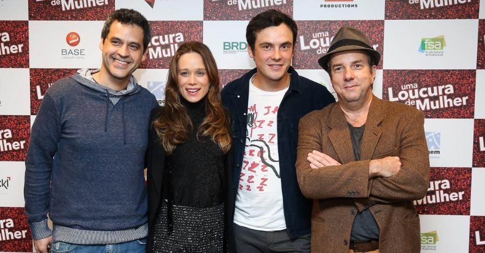 24.abr.2016 - Mariana Ximenes e elenco do filme
