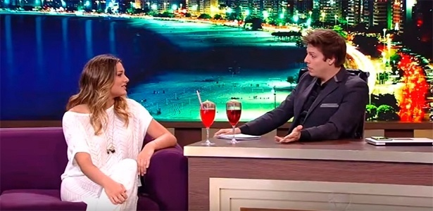 Fábio Porchat com Sasha Meneguel em sua estreia na Record - Reprodução/TV Record