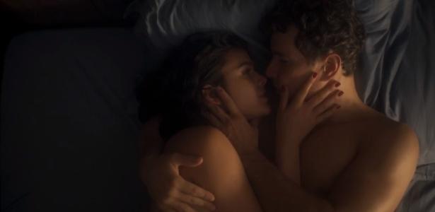 """Beatriz (Bruna Marquezine) e Otaviano (Daniel de Oliveira) transam em """"Nada Será Como Antes"""" - Reprodução"""