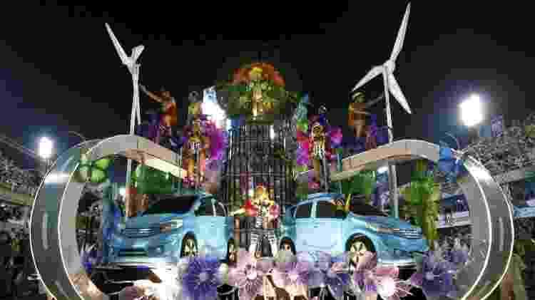 Nissan Note Salgueiro Carnaval 2014 - Narcelo de Jesus/UOL - Narcelo de Jesus/UOL