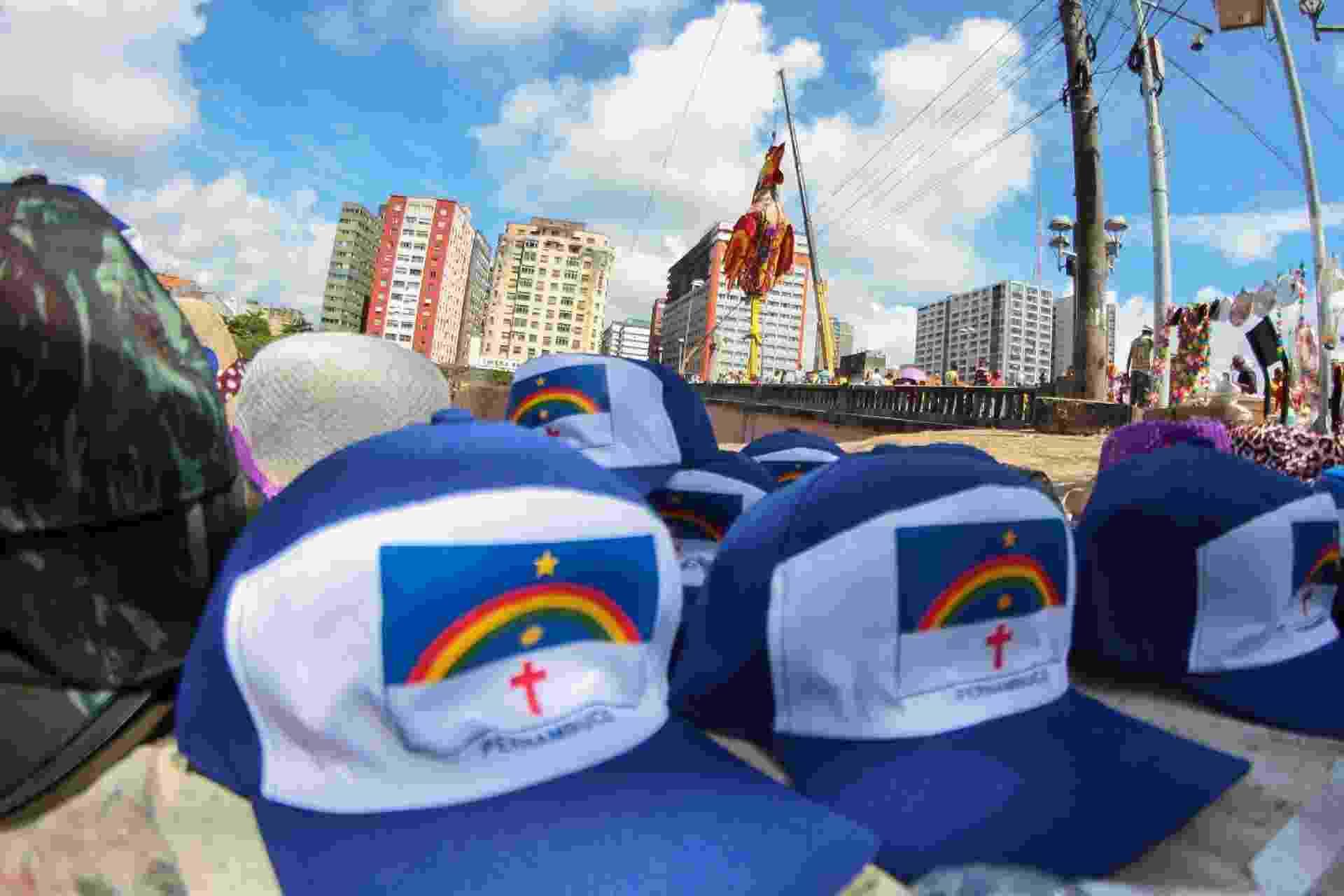 Milhões de pessoas são esperadas nas ruas de Recife para a folia do Galo da Madrugada neste sábado (24) - Marlon Costa/ Futura Press/ Estadão Conteúdo