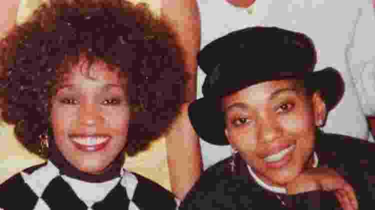 Whitney Houston e a assistente Robyn Crawford - Reprodução - Reprodução