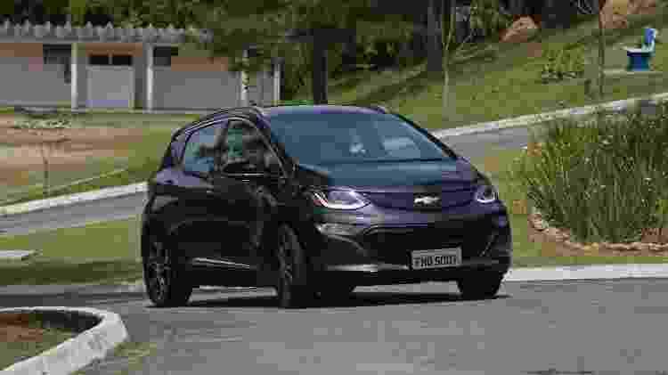Primeiro Chevrolet 100% elétrico apareceu em novembro do ano passado no Salão do Automóvel - Murilo Góes/UOL