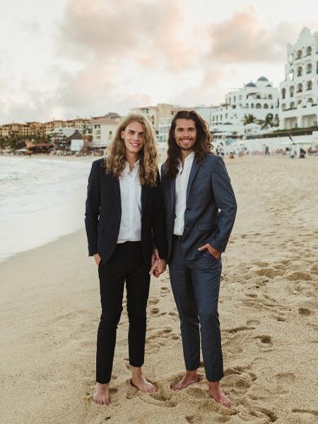 Os noivos Thad Nelson e Aren Muse - Reprodução/Twitter